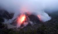 La erupción del volcán Kelud obliga a evacuar a 66.000 personas