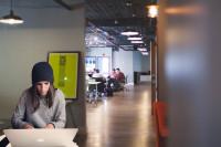 Coworking en tu urbanización: las ventajas de trabajar en casa