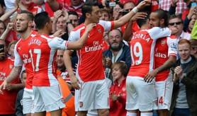 El Arsenal conquista la tercera plaza y el Manchester United regresa a 'Champions'