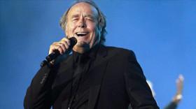 Serrat celebra 50 años en los escenarios