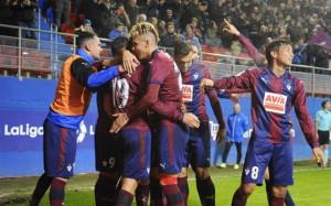 El Eibar pasa por encima del Betis y recupera la sonrisa ganando dos meses después