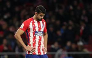El Atlético sin fútbol, ni fortuna y casi eliminado (1-2)