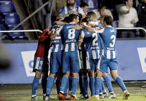 Un doblete de Quique González mete al Deportivo en 'playoff' de ascenso
