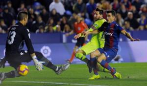 Messi se lo pone fácil al Barça