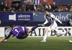 Osasuna y Valladolid firman tablas bajo la lluvia y el Alavés coge aire