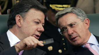 Seguidores de Uribe y de Santos se acusan mutuamente de recibir dinero del narcotráfico