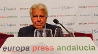 Felipe González niega haber influido en el adelanto electoral