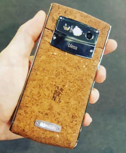 La revelación del Mobile World Congress: Un móvil de corcho hecho en Portugal