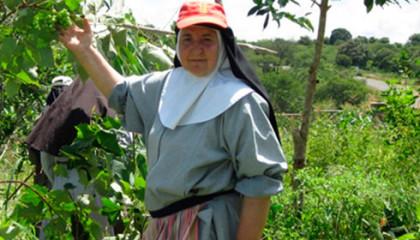 Una misionera valenciana encuentra agua en Kenia tras once años de excavaciones