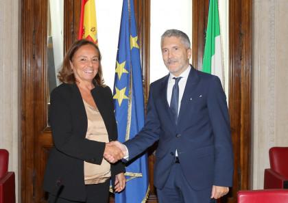 Grande-Marlaska asegura en Italia que un sistema de reparto de migrantes debe englobar todo el Mediterráneo