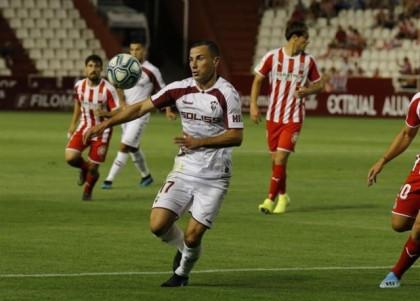 El Albacete vence en casa a un Girona en fuera de juego
