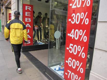 Tres de cada cinco españoles compran solo porque hay rebajas