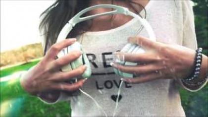 El número de jóvenes con problemas auditivos aumenta